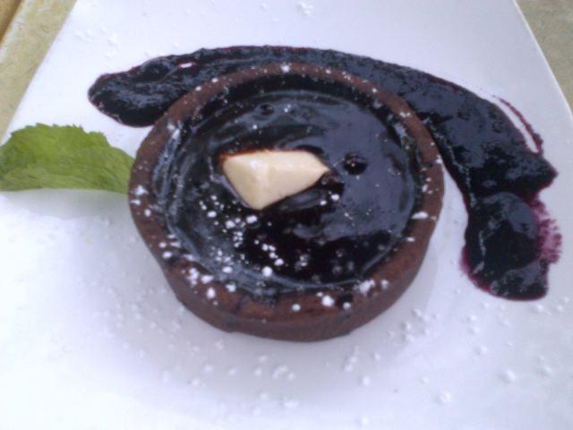 supermarket bar restaurant toronto kensington market chocolate molten fudge tart dessert